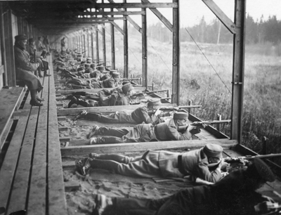 E1155 Hgin skpiiri Ampumakoulutus kivaariammunta 1920 luku