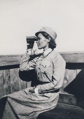 V 119 67 Iv-lotta Hilkka Kujala Salmelan Iv-tornissa v. 1941